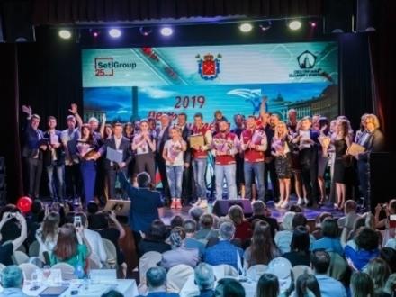 Татьяна Буланова выбрала победителя конкурса песни среди строителей