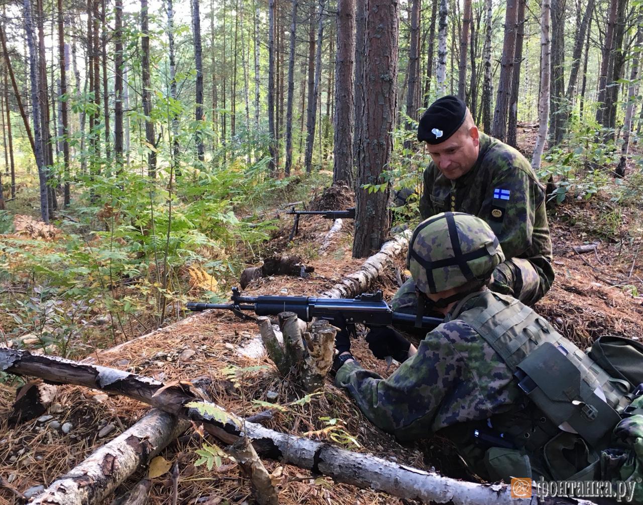 В Финляндии предложили распространить воинскую обязанность на женщин