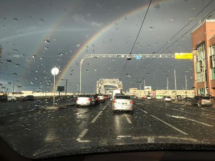 1990b61ea072e Фоторепортаж 1: Двойная радуга над Петербургом. Грозовой фронт подарил  жителям не только град с дождём