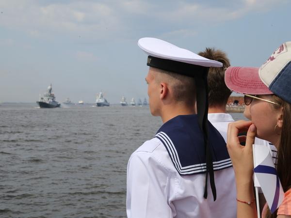 Петербург устал быть главным в День ВМФ. Следующий большой парад пройдёт в Севастополе