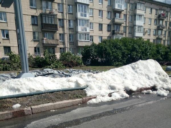 Зима близко. Рядом с площадью Победы «выпал» снег