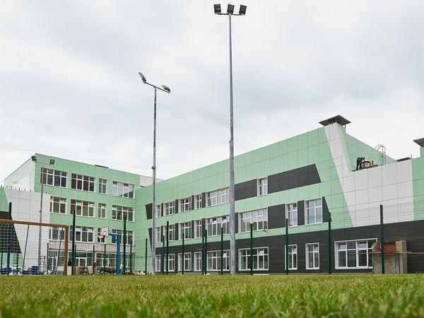 Группа «Эталон» построила новую школу на проспекте Космонавтов