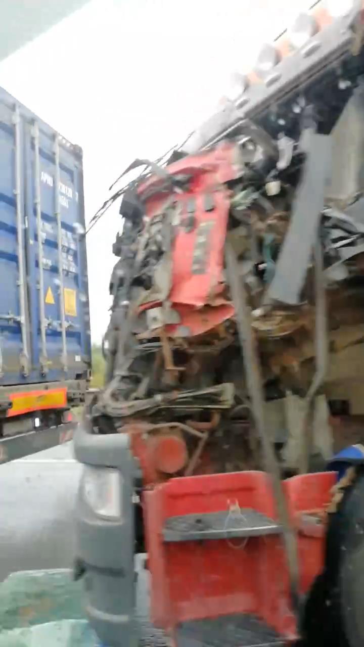 Скриншот с видео группы «ДТП и ЧП | Санкт-Петербург»/vk.com