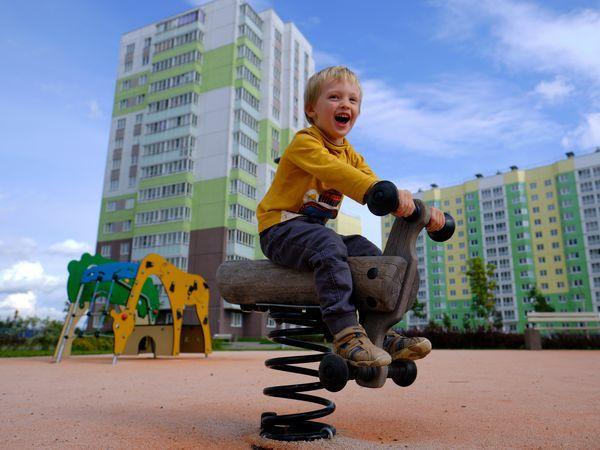 Все для детей: как живется маленьким новоселам в квартале «Янила»