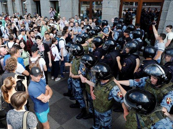 Александр Баунов: Кремлю нельзя проиграть в Москве и Петербурге. Столицей теперь руководит коллективный военный генерал-губернатор