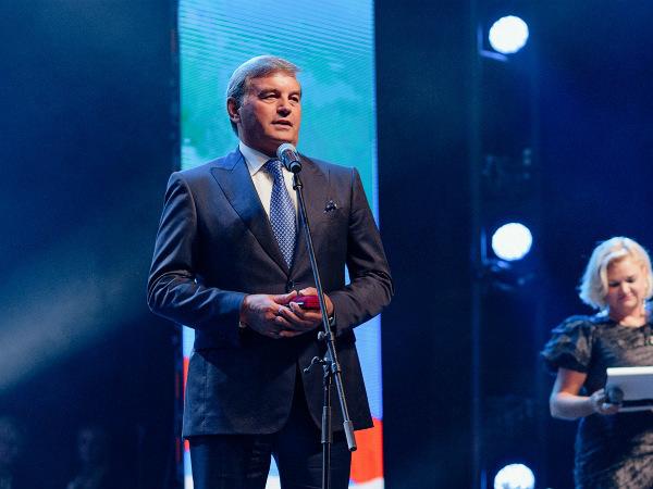 Ген. директор Группы «Эталон» награжден знаком «Строителю Санкт-Петербурга»