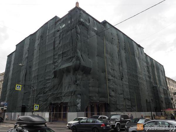 Петербургский депутат потребовал неотдавать Дом Радио Курентзису
