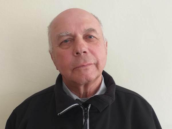 «Хочется пожить на пенсии долго и счастливо, а без слуха это затруднительно»