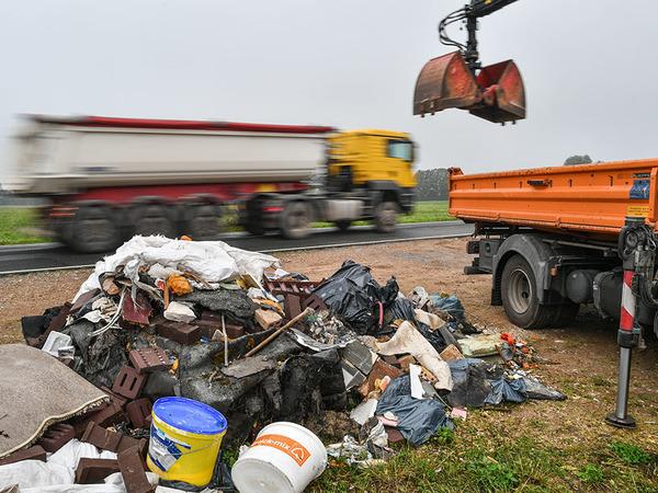 Петербург ищет свой Шиес. Новгородскую область присматривают для невского мусора