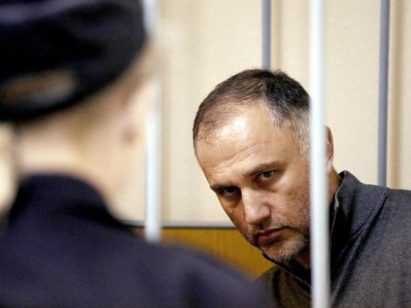 «Дай показания на Оганесяна. Ну хотя бы на Янчика». В Петербурге начался суд над бывшим вице-губернатором
