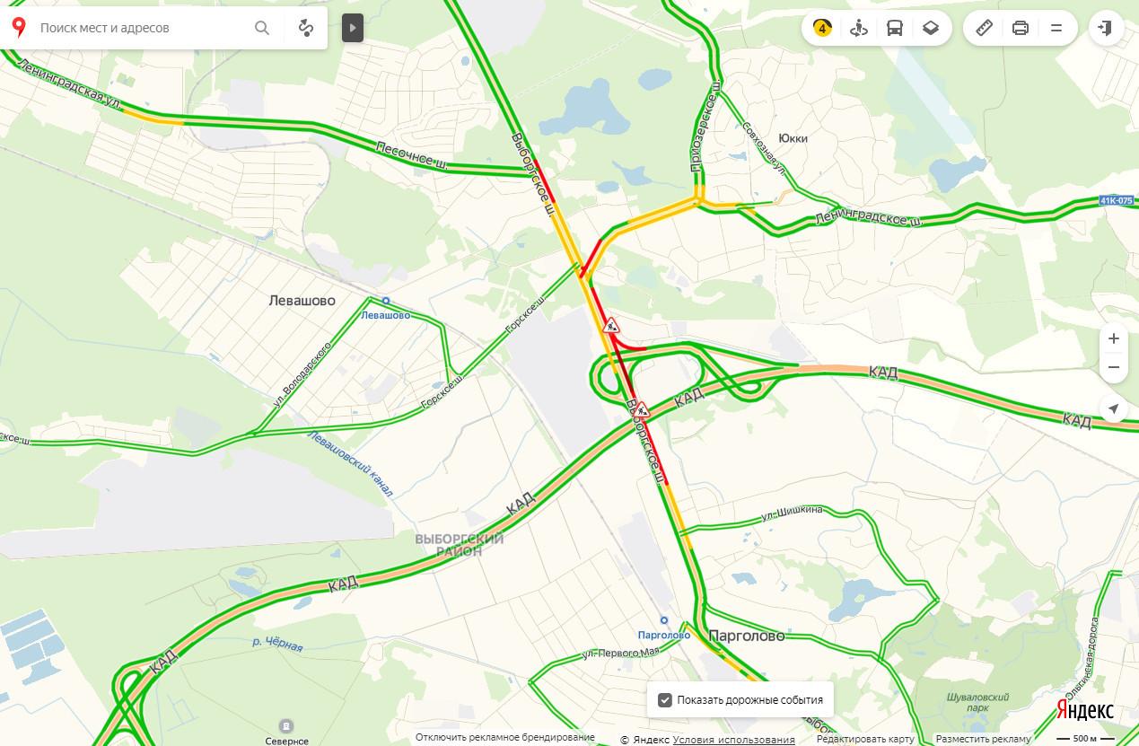 Пробки на Выборгском шоссе стоят даже днём.