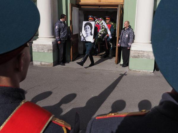 «Великая женщина и хорошая хозяйка». Петербург прощается с Ириной Богачевой