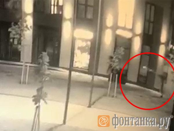 Плачущий «шутер». Попавший под пули рассказал о стрельбе в центре Петербурга