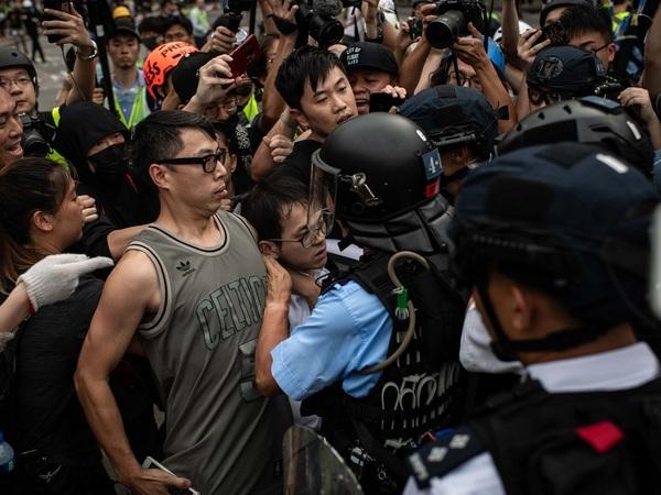 «Хотите как в Гонконге?» Эксперт по Китаю рассказал, что общего у протестов в Гонконге и Москве