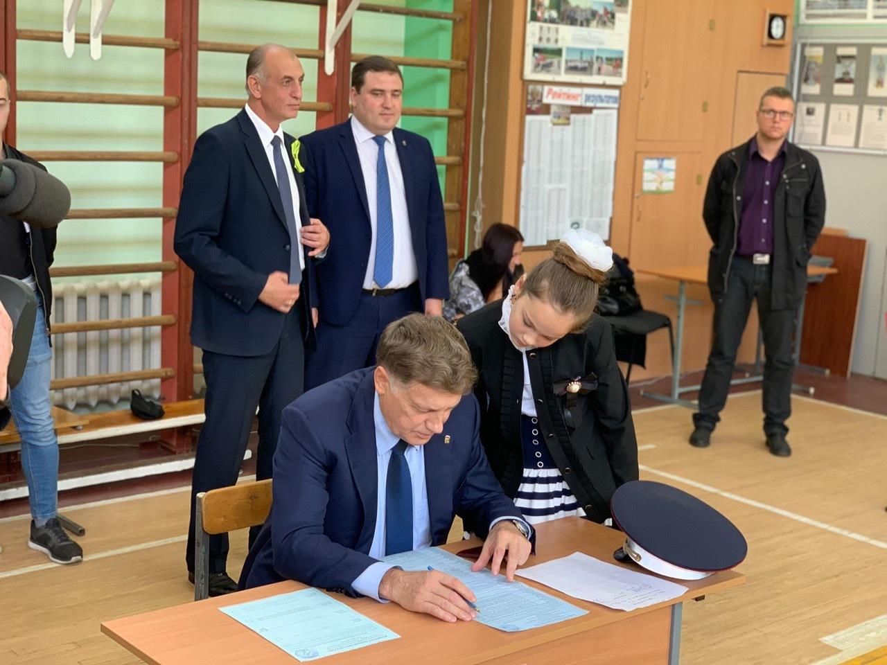 внимание список всех депутатов с фото санкт петербург распространенные болезни