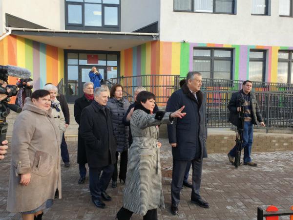 Детский сад в IQ Гатчина посетил губернатор Ленобласти