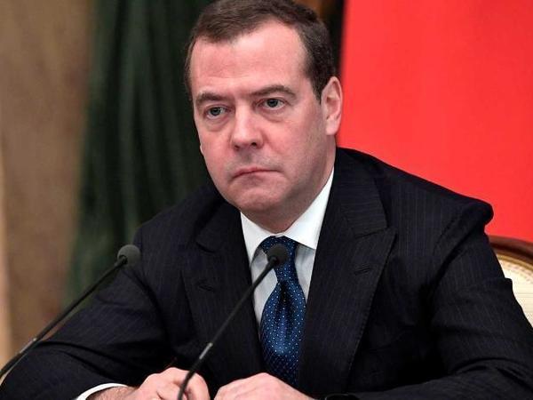 Медведев и правительство в отставке. Показываем, что происходит, в режиме онлайн