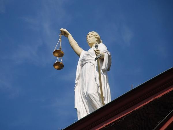 «Опасения утратить возможность защиты в ЕСПЧ не напрасны». Экс-судья КС Морщакова о реформе Конституции