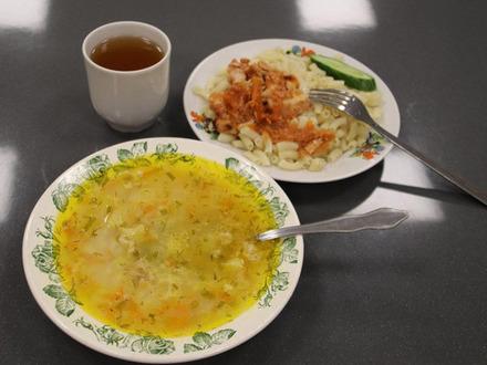 Готовь к обеду ложку. «Фонтанка» заглянула в тарелки петербургских школьников