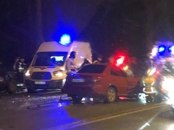 В Петергофе молодой водитель «Логана» не удержался на гололеде. Погибли двое из «Ауди»