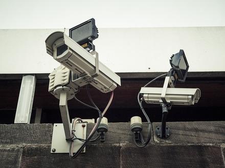 Цифровая крепость. Почему жители новых домов все реже хотят видеть консьержей и охранников
