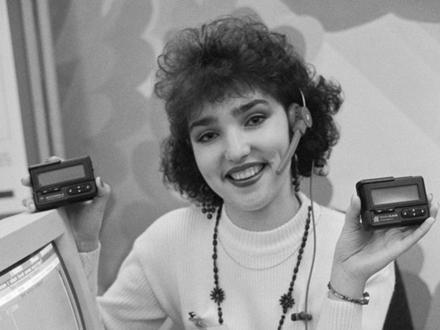 От «лоха с пейджером» до айфона: как за 20 лет сотовая связь изменила петербуржцев