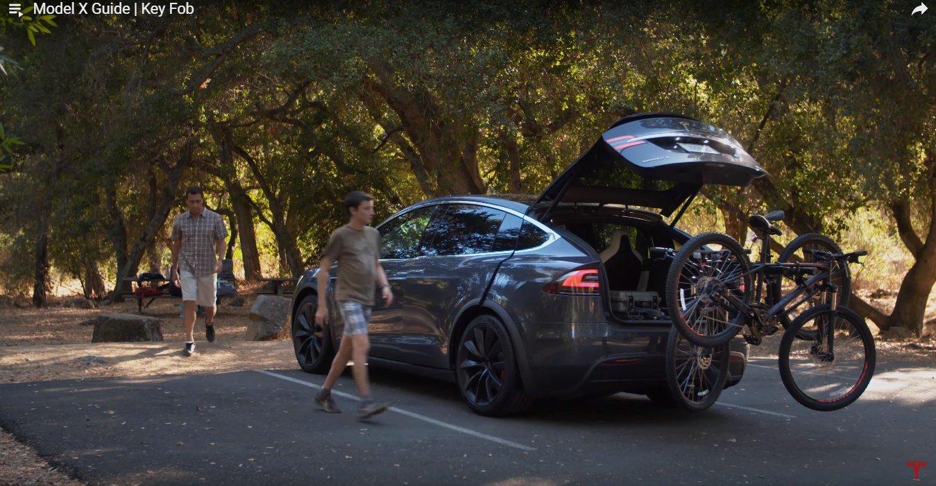 Кадр из видео в YouTube на канале Tesla