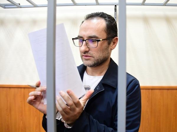 Джин Мирон Спектор, задержанный по делу о коррупции / автор фото Игорь Иванко/Коммерсантъ