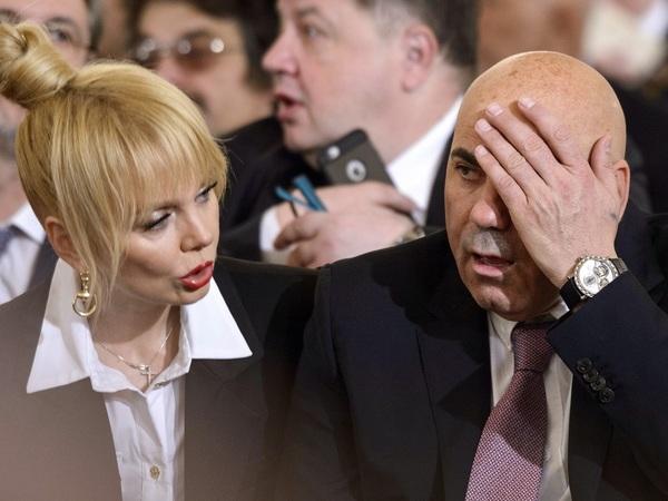 Певица Валерия (слева) и продюсер Иосиф Пригожин (справа) / автор фото Дмитрий Азаров/Коммерсантъ